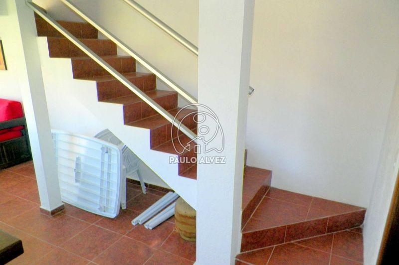 Acceso por escaleras
