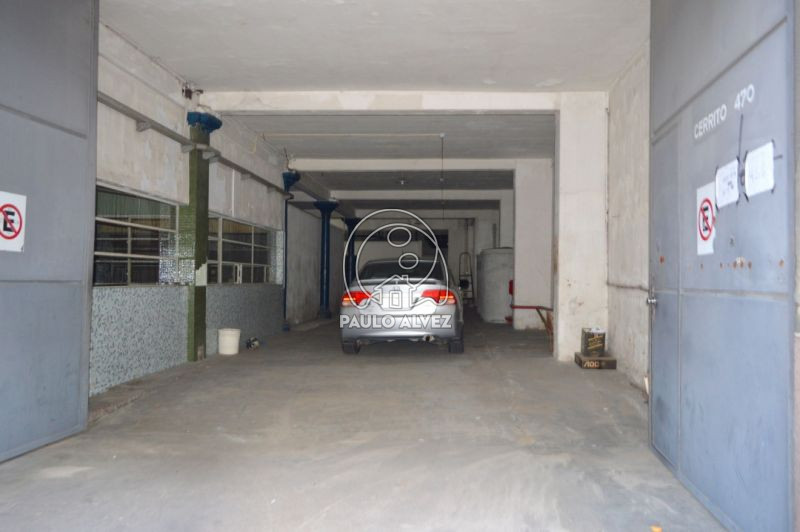 Garage con circulación interna