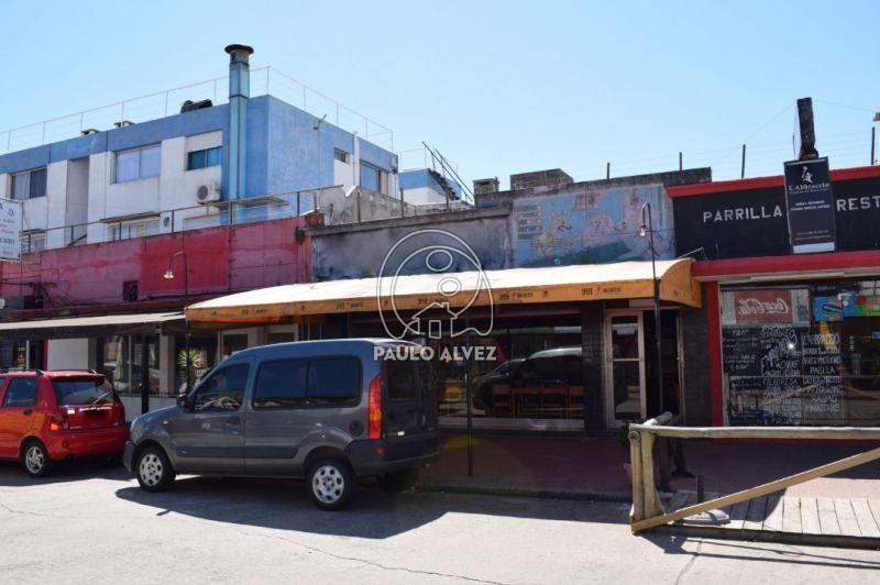 Local comercial a meros de la rambla